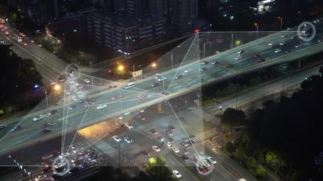 vídeos de stock e filmes b-roll de smart transportation - cidade inteligente