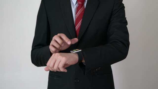 vidéos et rushes de montre intelligente technologie - écran tactile