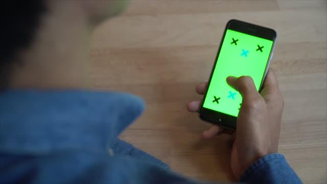 Smartphone telefoon telefoon Internet E-mail groen scherm Monitor Man mensen
