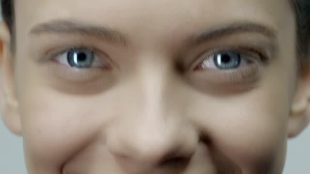 スマイル - 人間の鼻点の映像素材/bロール