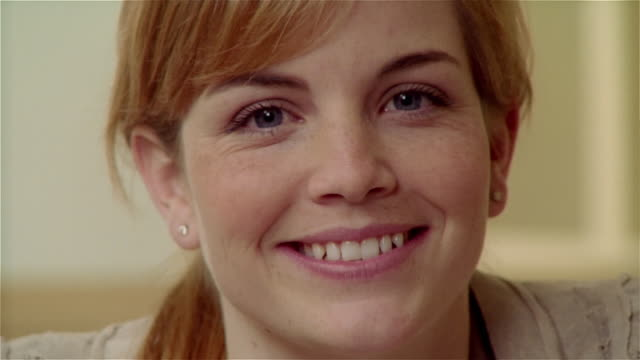 cu, smiling young woman, portrait - 20 29 years stock videos & royalty-free footage