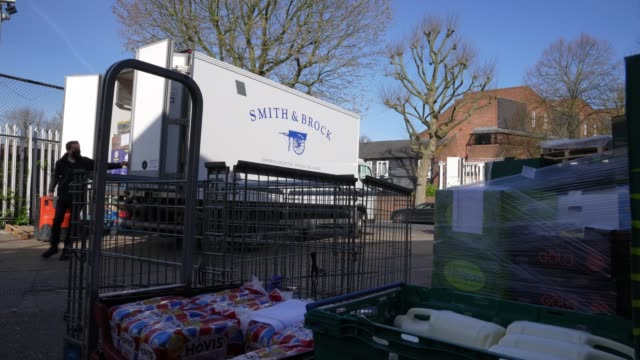 smith brock who are best known for supplying fresh food to restaurants and hotels in london have started a home delivery service and thanks to... - freshness stock videos & royalty-free footage