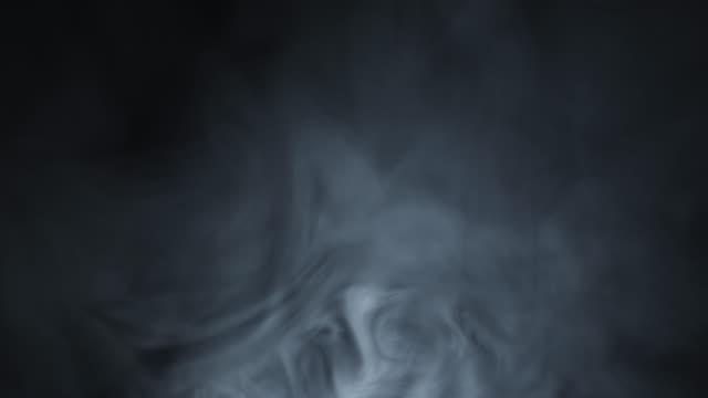 4 K fumo e névoa
