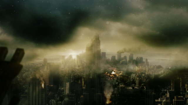 smoke, ash and debris settle over a destroyed city. - 全壊点の映像素材/bロール