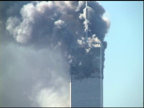 9/11/01 ms smoke billowing from tower 1 after collapse of tower 2 - 2001 bildbanksvideor och videomaterial från bakom kulisserna