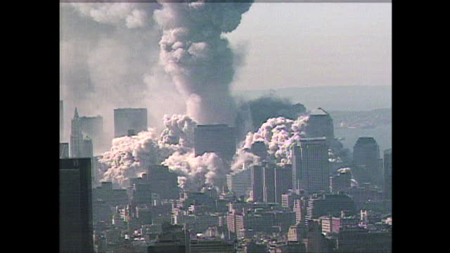 stockvideo's en b-roll-footage met smoke billows from the pentagon shortly after the attacks on 9/11 - aanslagen op 11 september 2001