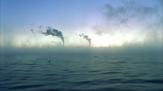 T/L, WS, Smoke from coal-fired power plant rising over cooling lake, Farmington, New Mexico, USA