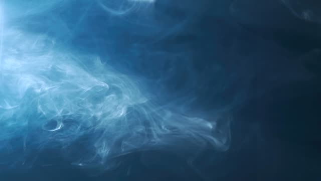 stockvideo's en b-roll-footage met rook op zwart. abstracte achtergrond - smoke physical structure