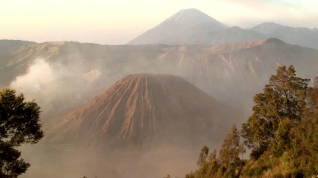 ha ws zo smoke rising from bromo crater near mt. bromo in bromo-tengger-semeru national park, known as tengger massif / java, indonesia - bromo crater stock videos & royalty-free footage