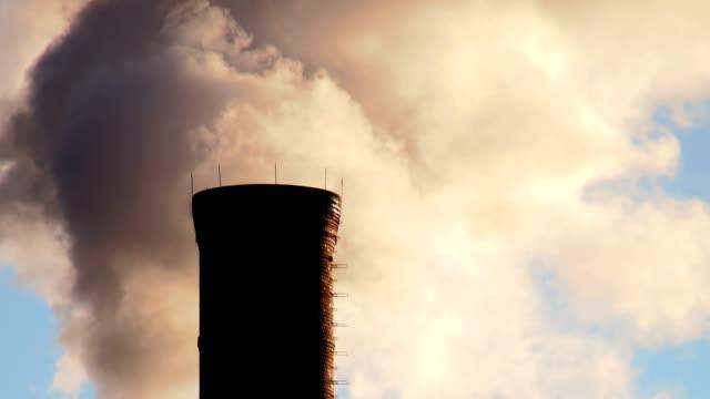 vídeos y material grabado en eventos de stock de chimenea industrial - ann arbor