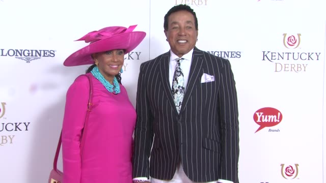 smokey robinson and frances robinson at moet chandon toasts the 139th kentucky derby at churchill downs on may 04 2013 in louisville kentucky - smokey robinson stock-videos und b-roll-filmmaterial