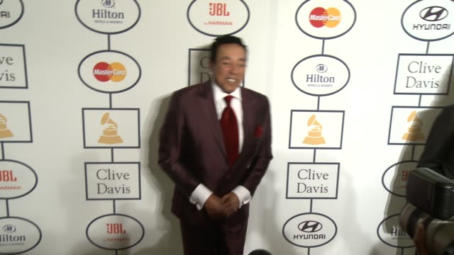 smokey robinson at 2014 grammy salute to industry icons honoring lucian grainge in los angeles ca - smokey robinson stock-videos und b-roll-filmmaterial