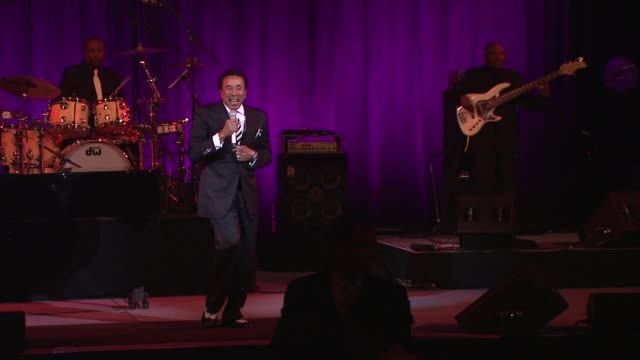smokey robinson at angel ball 2012 benefiting gabrielle's angel foundation for cancer research in new york ny on 10/22/12 - smokey robinson stock-videos und b-roll-filmmaterial