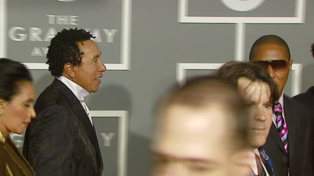 smokey robinson at the 2007 grammy awards arrival interviews at staples center in los angeles california on february 11 2007 - smokey robinson stock-videos und b-roll-filmmaterial