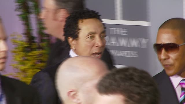 smokey robinson at the 2007 grammy awards arrivals at staples center in los angeles california on february 11 2007 - smokey robinson stock-videos und b-roll-filmmaterial