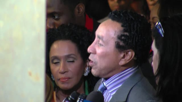 smokey robinson at the 22nd annual ascap rhythm and soul awards at beverly hills ca - smokey robinson stock-videos und b-roll-filmmaterial