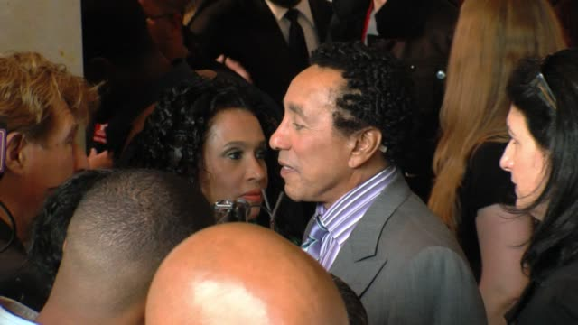 vidéos et rushes de smokey robinson at the 22nd annual ascap rhythm and soul awards at beverly hills ca - ascap