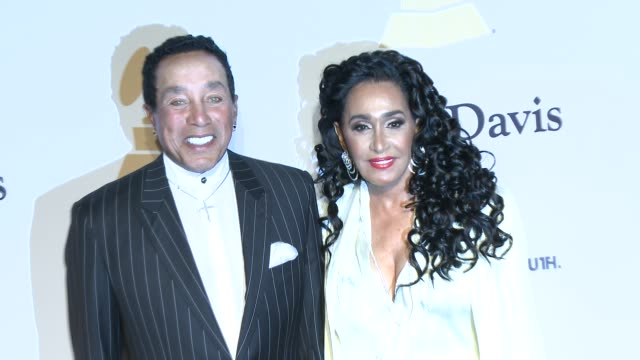 smokey robinson at the pregrammy gala and salute to industry icons honoring martin bandier at the beverly hilton hotel on february 07 2015 in beverly... - the beverly hilton hotel stock videos & royalty-free footage