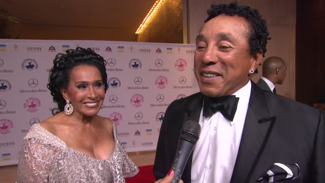 smokey robinson frances robinson on the event at 26th anniversary carousel of hope ball on in beverly hills ca - smokey robinson stock-videos und b-roll-filmmaterial