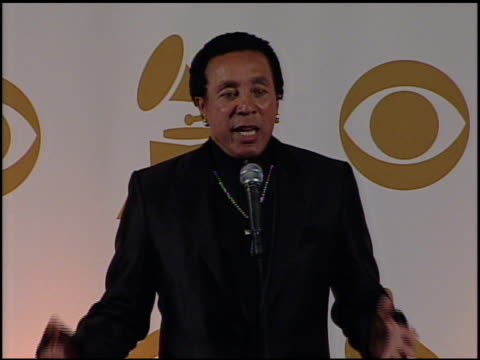 vídeos de stock e filmes b-roll de smokey robinson on the musicians stepping up for haiti, on the we are the world remake. at the 52nd annual grammy awards - press room at los angeles... - hispaniola