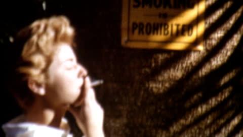 rauchen verboten - frauenrechte stock-videos und b-roll-filmmaterial