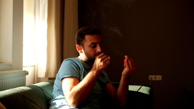 smoking - narcotico video stock e b–roll