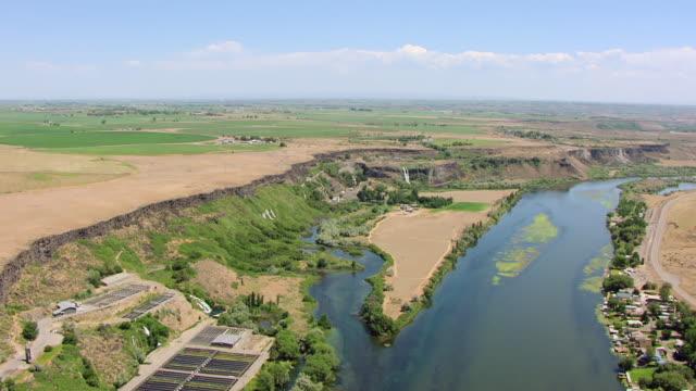 vídeos y material grabado en eventos de stock de ws aerial snake river in thousand springs state park / idaho, united states - río snake