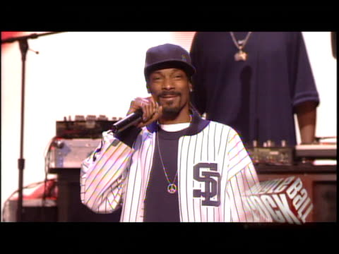 snoop dogg and pharrell williams at the kiis fm jingle ball concert 2004 at the pond of aneheim in aneheim, california on december 4, 2004. - 2004 stock-videos und b-roll-filmmaterial