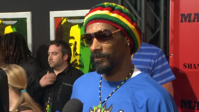 snoop dogg at marley los angeles premiere on 4/17/12 in hollywood, ca. - snoop dogg stock videos & royalty-free footage