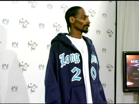 Snoop Dogg at the 2004 American Music Awards press room at the Shrine Auditorium in Los Angeles California on November 14 2004
