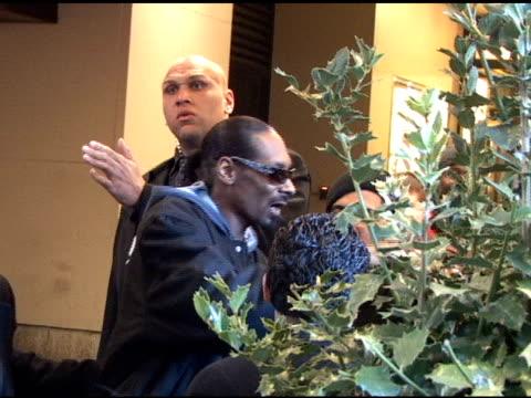 snoop dogg departs mtv studios in new york 03/28/11 - mtv stock videos & royalty-free footage