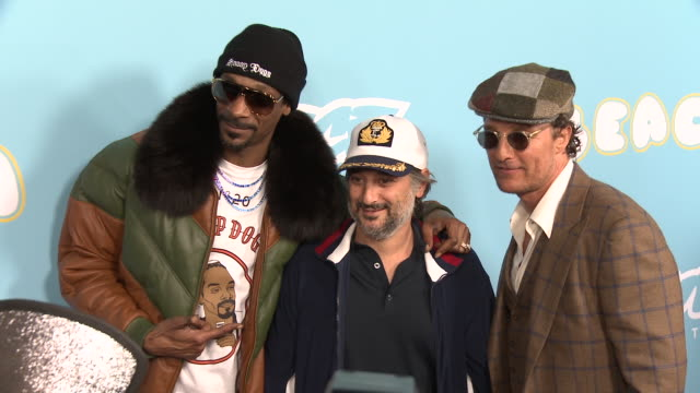 snoop dogg, harmony korine and matthew mcconaughey at the los angeles premiere for neon & vice studio's 'the beach bum' on march 28, 2019 in los... - snoop dogg stock videos & royalty-free footage