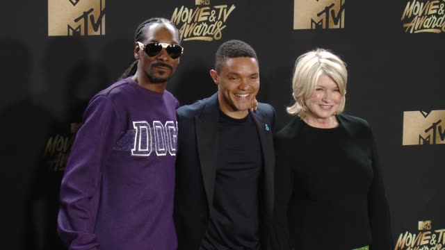 snoop dogg, trevor noah, martha stewart at 2017 mtv movie and tv awards - press room in los angeles, ca 5/7/17 - martha stewart stock videos & royalty-free footage