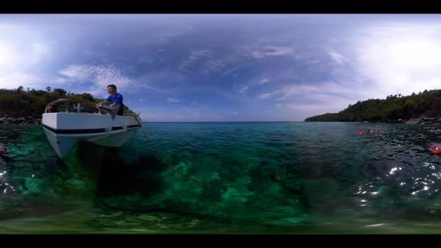 vídeos de stock e filmes b-roll de 360vr 4k snorkeling at thailand - vista de 360 graus