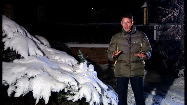 vídeos y material grabado en eventos de stock de snow and ice causes travel disruption and school closures england yorkshire reporter to camera sot day traffic at a standstill on the a1 motorway... - snow patrol