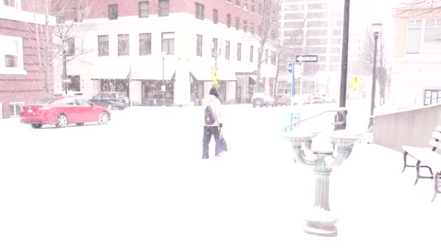 snow at pioneer courthouse square in portland oregon - portland oregon snow stock videos & royalty-free footage