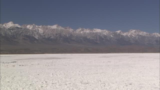 snow blankets the sierra nevadas. - californian sierra nevada stock videos & royalty-free footage