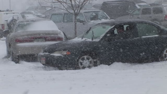 snow blizzard, denver, colorado, dec 2006. - trapped stock videos & royalty-free footage
