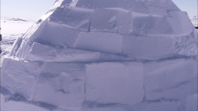 snow blocks form an igloo. available in hd. - igloo stock videos & royalty-free footage