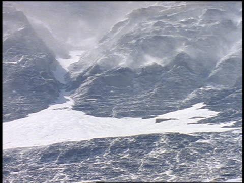 snow blowing in wind on mountain / mt everest - naturwunder stock-videos und b-roll-filmmaterial