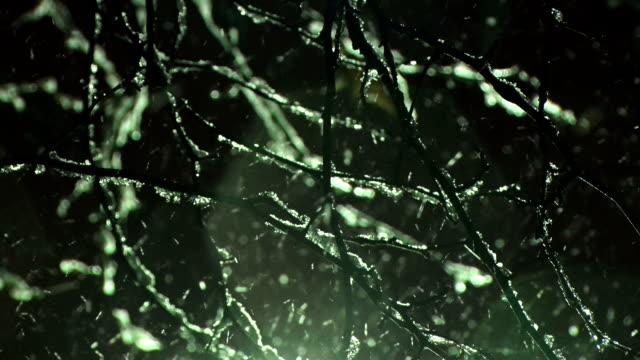 vídeos de stock, filmes e b-roll de neve por diária - snow cornice