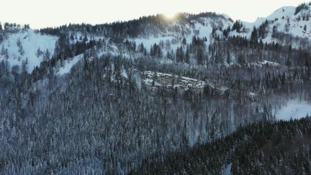 snow covered mountains at sunset - 北チロル点の映像素材/bロール