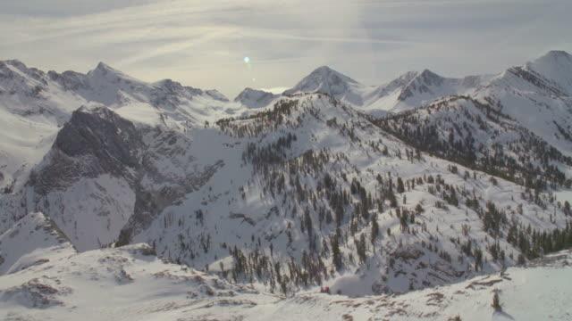 ws pov snow covered mountains / mammoth lakes, california, usa - mammoth lakes video stock e b–roll