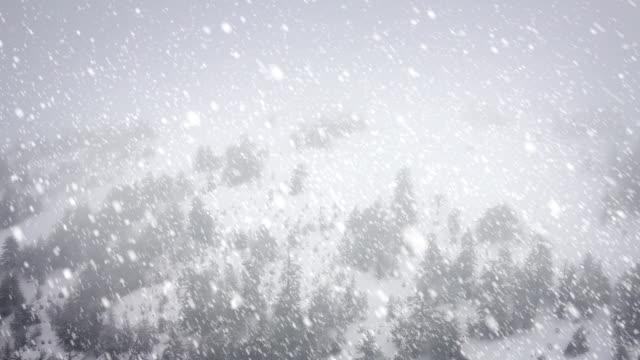 vídeos de stock, filmes e b-roll de neve caindo-circulares - snow cornice