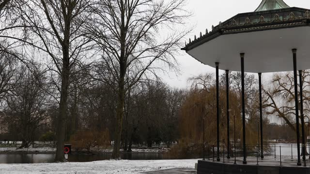 snow falls in regents park on february 9, 2021 in london, england. heavy snow brings a week of freezing temperatures across many parts of the uk and... - standing water stock videos & royalty-free footage