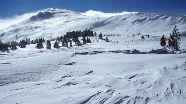 vidéos et rushes de tempête de neige - snowcapped mountain