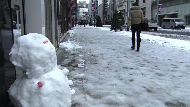 snowman on the sidewalk, ginza, tokyo - kanto region stock videos & royalty-free footage