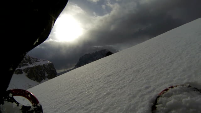pov snowshoeing in high mountain landscape (2 clips) - langkofel stock videos & royalty-free footage