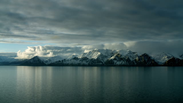 stockvideo's en b-roll-footage met snowy coastal mountains in northern canada - meer dan 40 seconden