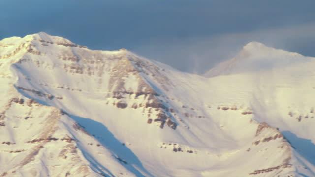 ms pan snowy mountains, orem, utah, usa - orem video stock e b–roll